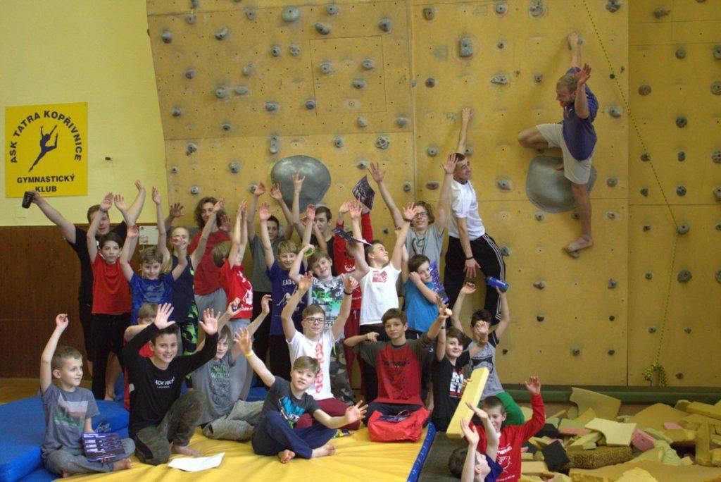 Víkendový, celo-dopolední trénink v gymnastické tělocvičně s Lubem a dalšími trenéry!
